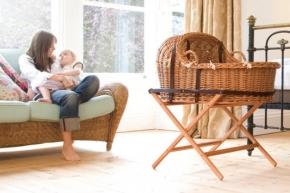 couffin en osier avec matelas bio naturalmat. Black Bedroom Furniture Sets. Home Design Ideas